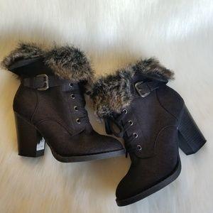 CHARLOTTE RUSSE   RHEA Black Ankle Booties